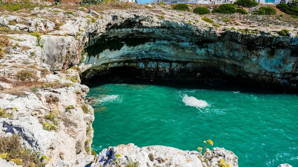 grotte dans les pouilles