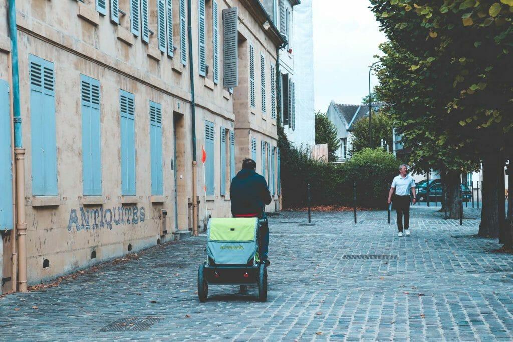 vélo dans les rues de chantilly