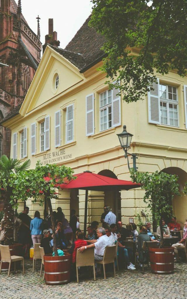 bar fribourg place église