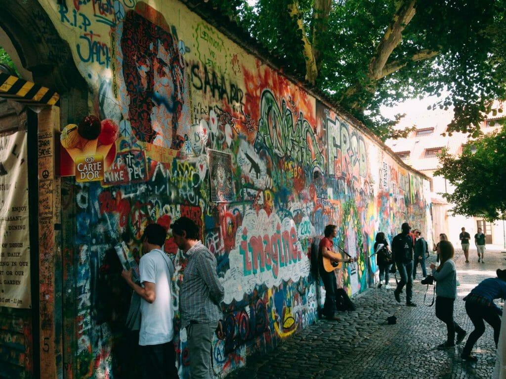 mur john lenon prague