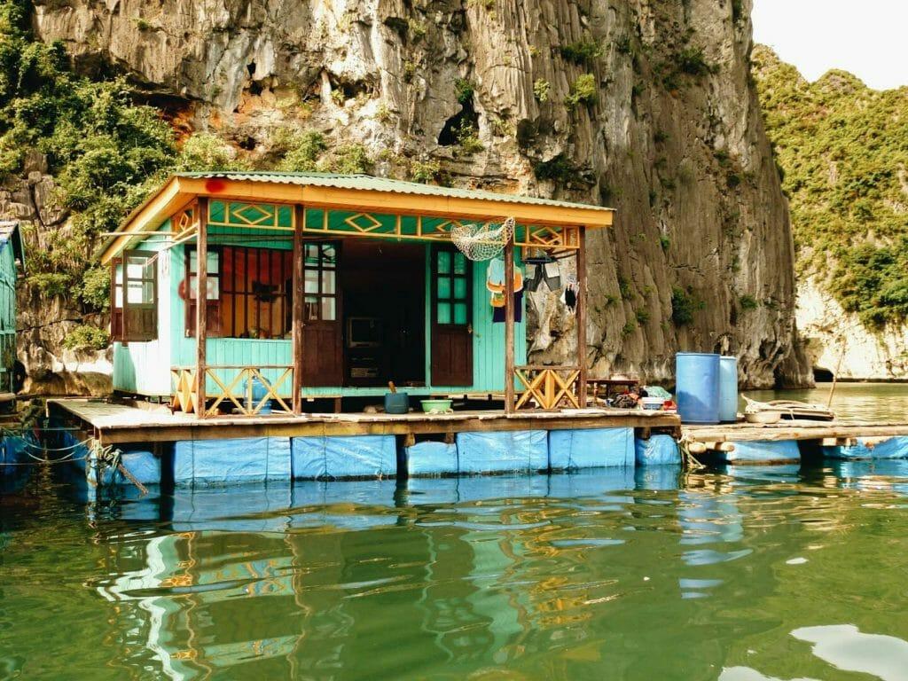 village flottant halong