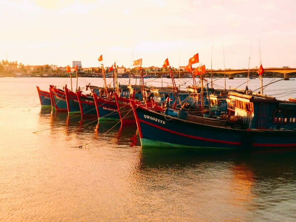 lever soleil port Dong Hoi
