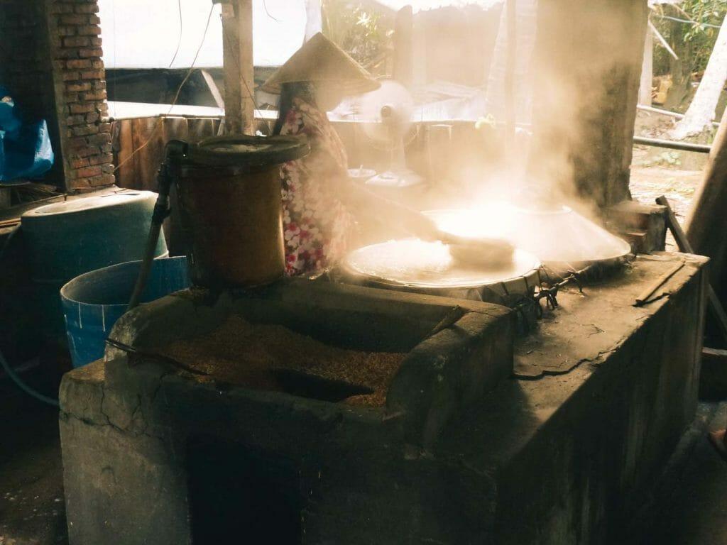 fabrique locale de papier de riz mekong