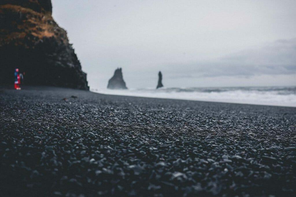Reynisfjara la Plage de sable noir