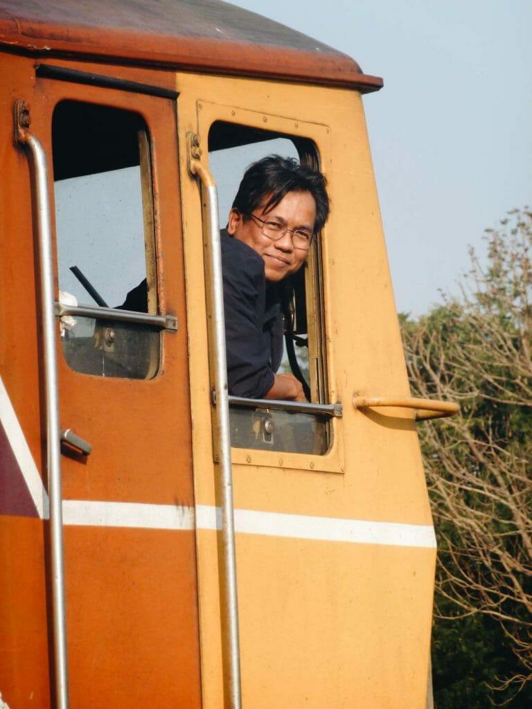 conducteur de train thailande