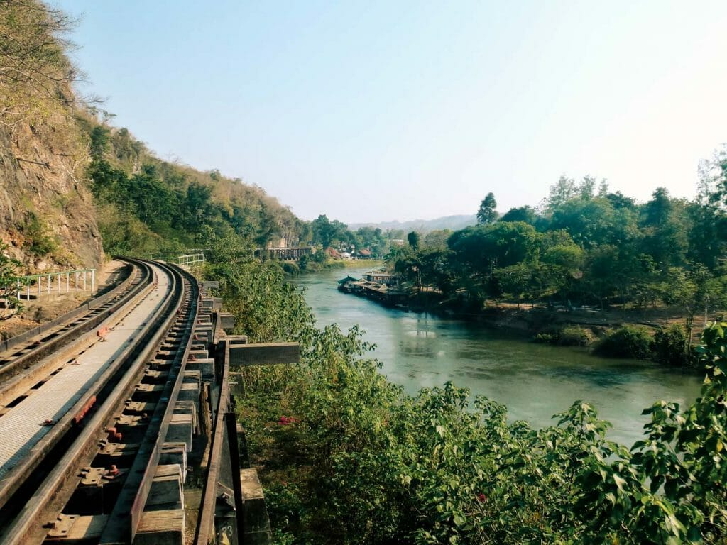 ligne ferrovière thailande