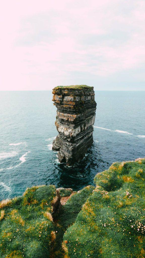 dun briste en irlande