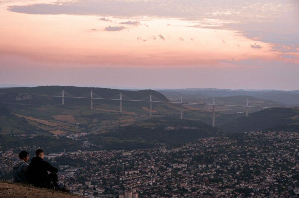 Sud de l'Aveyron : du Viaduc de Millau aux caves de Roquefort