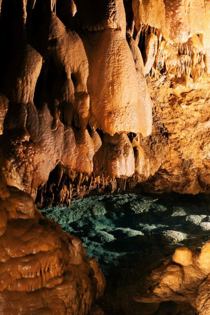vacances lozère grottes